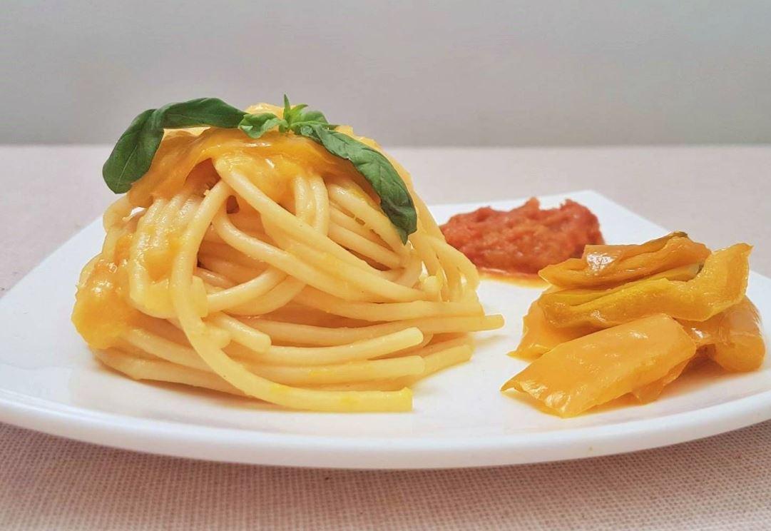 Spaghetti con crema di Peperone e Robiola